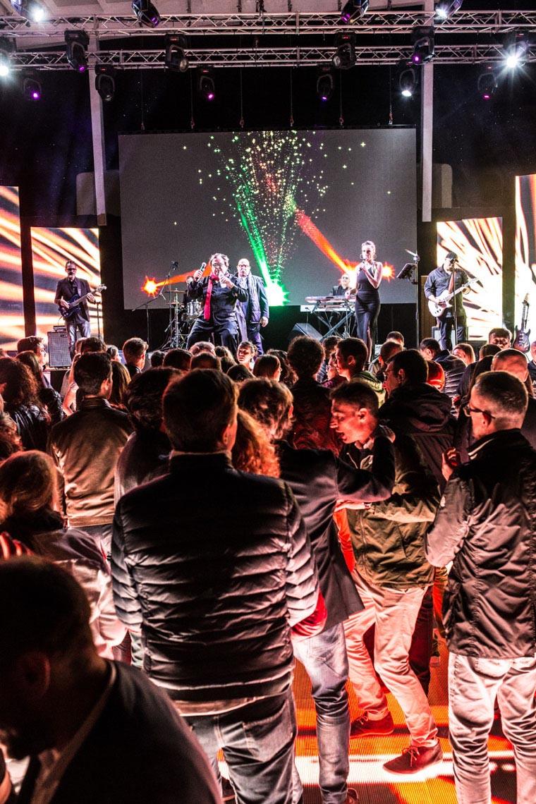 Serata musicale organizzata come intrattenimento evento